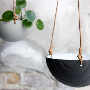 Hanging Bowl, Black w/ texture (medium)
