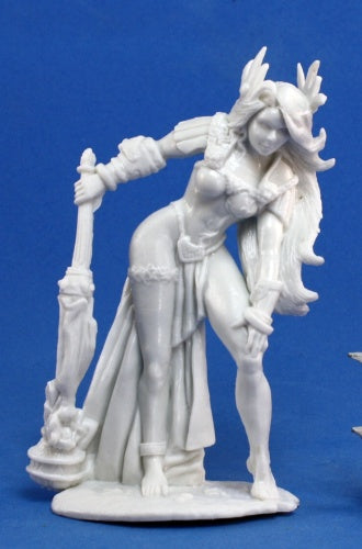 Reaper Bones: Yephima, Female Cloud Giant (77162)