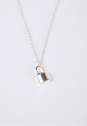 LOUIS PADLOCK NECKLACE SILVER