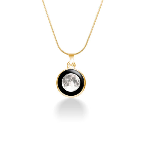 moon-luxury-necklace-in-gold