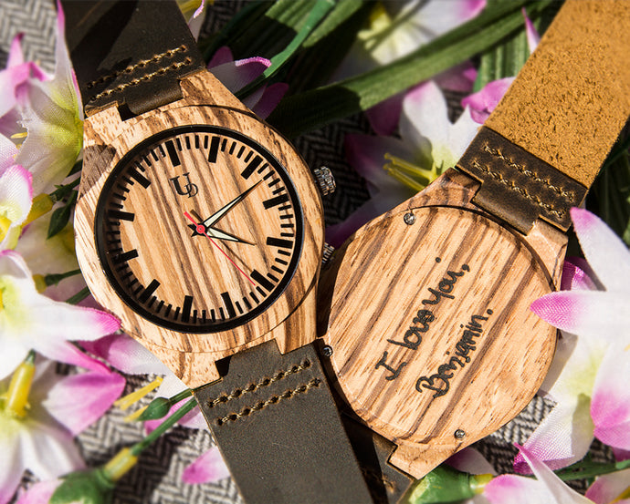 Make a thank you note with engraved wooden watches