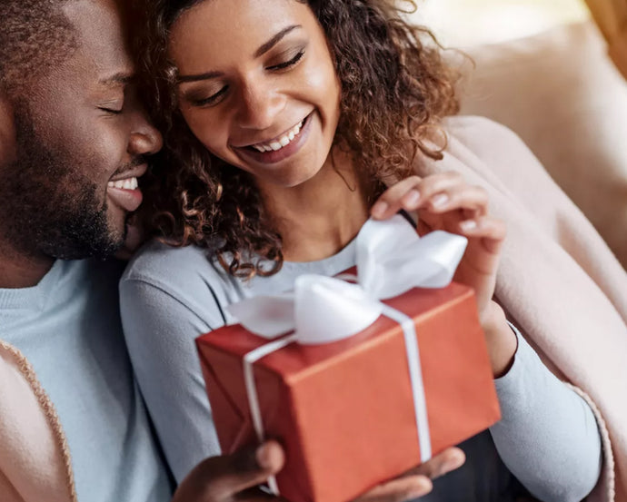 Traditional Anniversary Gifts: Wedding Anniversary Gifts By Year Guide