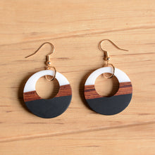 UD Women's Color-block Round Wooden Earrings