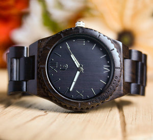 best wooden watch for men with personalized engraving,great groomsmen gifts ideas
