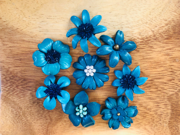Broches azules