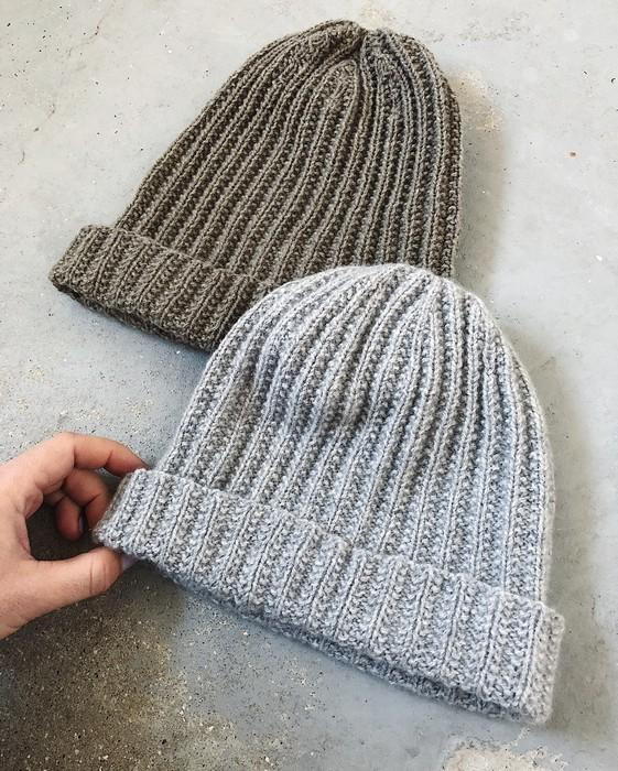 Advent 2018 hat, 2 grey hats from our Önling advent calendar for knitters