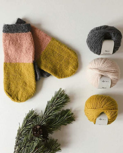 Advent mitten, warm winter mittens in merino wool - Önling Nordic knitting patterns and yarn