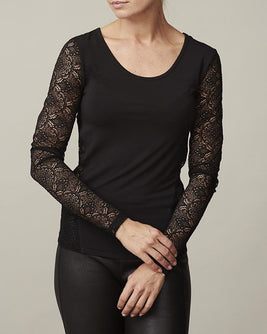 Anastasia black t-shirt with lace on back and sleeves, long sleeves and round neck, made in modal, the front