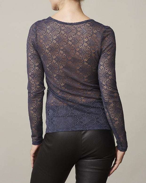 Anastasia dark blue/navy t-shirt with lace on back and sleeves, long sleeves and round neck, made in modal, the back