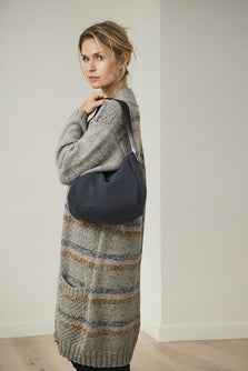 Ane knitted shoulder bag in dark blue/navy, made in Isager Spinni wool