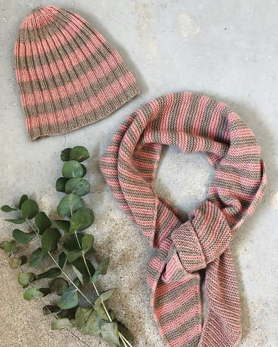 Cashmere striped scarf knit in brown and rose cashmere yarn - Önling Nordic knitting patterns and yarn