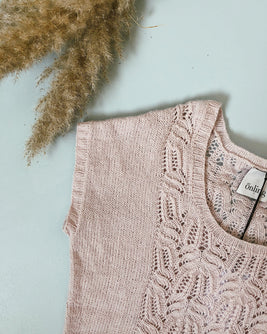 Celina summer top, rose summer knit with lace pattern - Önling Nordic knitting patterns and yarn