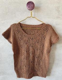 Celina top with frost-work pattern. Yarn kit and single pattern available at Önling