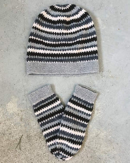 Cornelia beanie and mittens with stripes - Önling Nordic knitting patterns and yarn