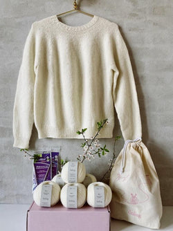 Knitting box for Easy Peasy Basic Sweater – with needles, yarn, stitch markers, Önling pin, project bag, and knitting pattern – everything you need to get started on your knitting project!
