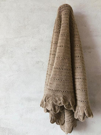 Knitting pattern for Fenja shawl.