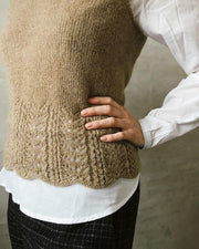 Knitting pattern for Fryd top, in Önling No 11, cashmere and merino wool