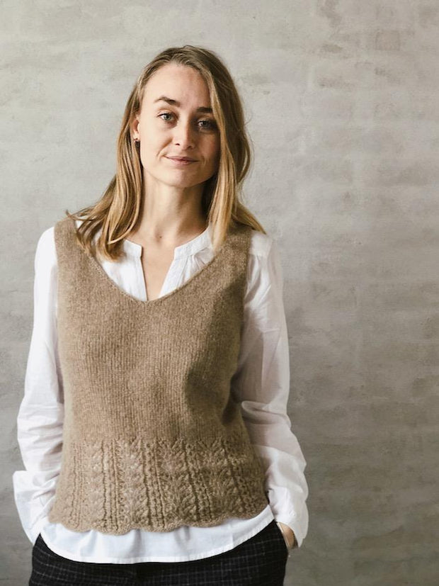 Knitting pattern for Fryd top, in Önling No 11