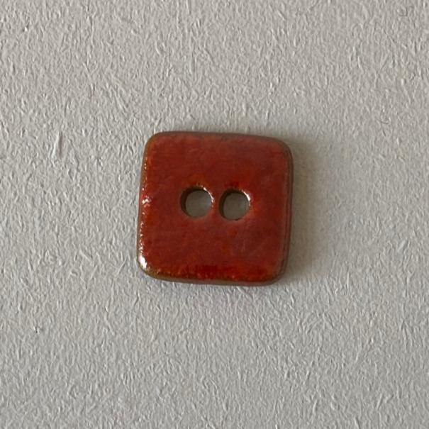 Hanne Falkenberg buttons, square, 25x25 mm Accessories Birthe Sahl Red