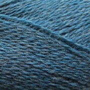 Isager Highland Wool yarn, the color Greece (petrol blue), made of 100 % Peruvian Highland Wool.