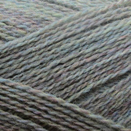 Isager Highland Wool yarn, the color Sky (grey with blue and purple), made of 100 % Peruvian Highland Wool.
