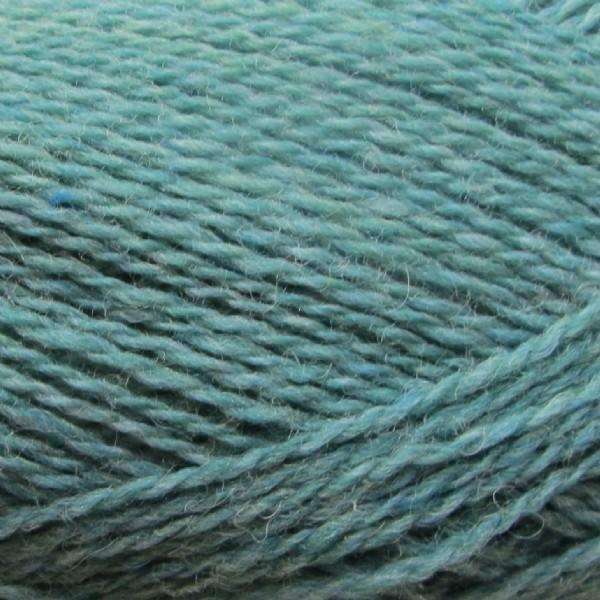 Isager Highland Wool yarn, the color Turquoise (blue-green), made of 100 % Peruvian Highland Wool.