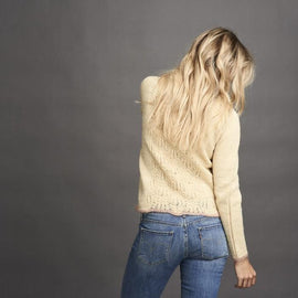 Limoncello light sweater with beautiful lace pattern at front and back, in a light yellow color with rose edges, made in Isager Highland Wool and Silk Mohair, the back