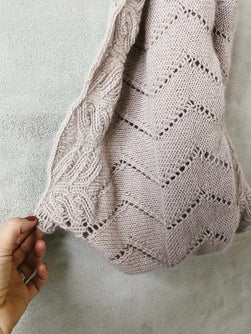 Möbius cowl with lace pattern - Önling Nordic knitting patterns and yarn