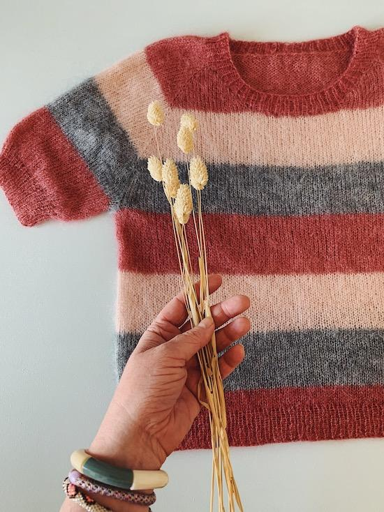 Knitting pattern for Molly Mohair Tee with stripes in soft Önling No 10 silk mohair.