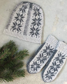 Nordic hat and mittens with stars, merino wool - Önling Nordic knitting patterns and yarn