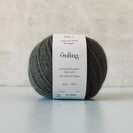 Önling No 1 is sustainable yarn made of merino wool and angora, army green