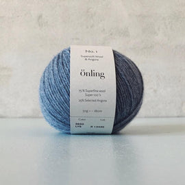 Önling No 1 is sustainable yarn made of merino wool and angora, pigeon blue