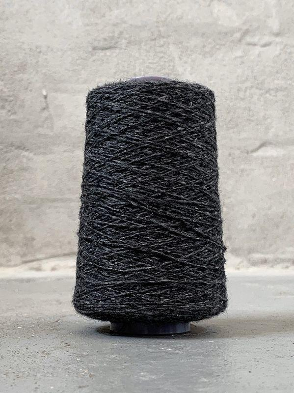 Dark grey Önling No 12 everyday yarn, wool and cotton - Önling Nordic knitting patterns and yarn