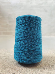 Bright blue Önling No 12 everyday yarn, wool and cotton - Önling Nordic knitting patterns and yarn