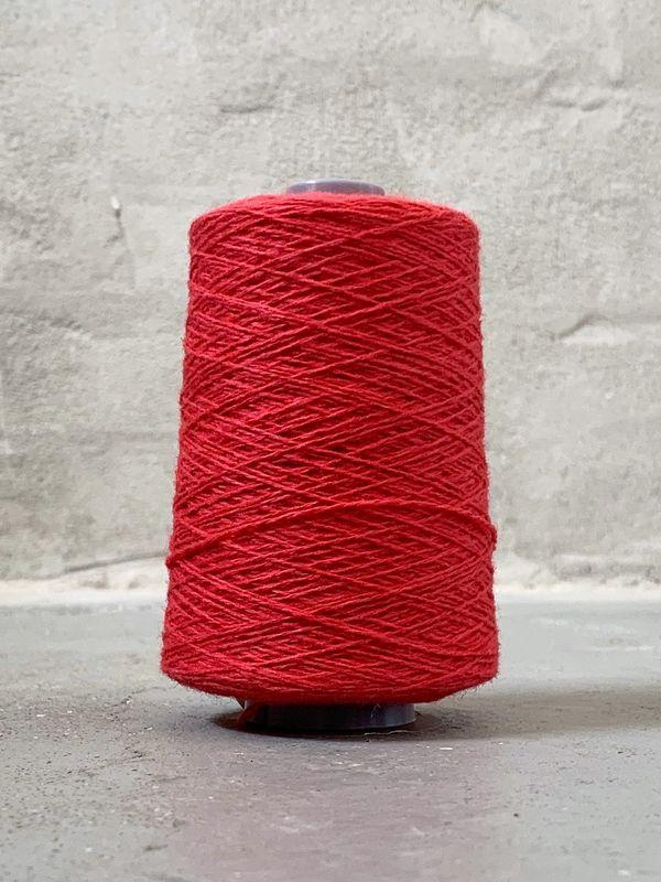 Bright red Önling No 12 everyday yarn, wool and cotton - Önling Nordic knitting patterns and yarn