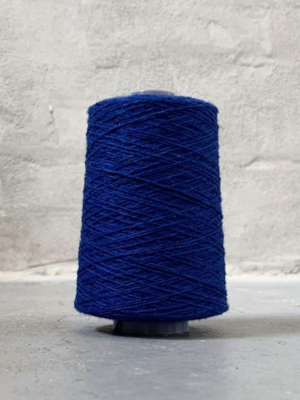 Royal blue Önling No 12 everyday yarn, wool and cotton - Önling Nordic knitting patterns and yarn
