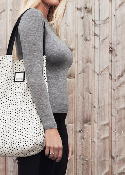 Organic Bag from Önling, Silver Grey (beige) with black dots