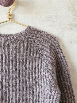 Knitting pattern for Petra brioche sweater, shoulder