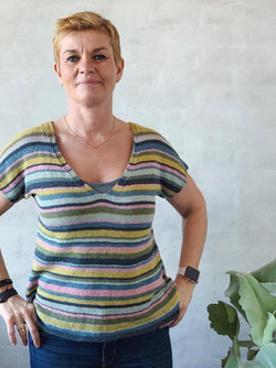 Retro summer top with stripes, summer knit in Isager Bomulin - Önling Nordic knitting patterns and yarn