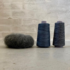Yarn kit for silk mohair sweater in önling no 6 og 7 and silk mohair, dark grey