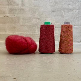 Yarn kit for silk mohair sweater in önling no 6 og 7 and silk mohair, red