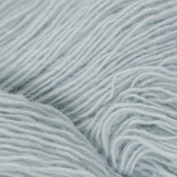 Isager Spinni 100% wool, color no 10, ice blue
