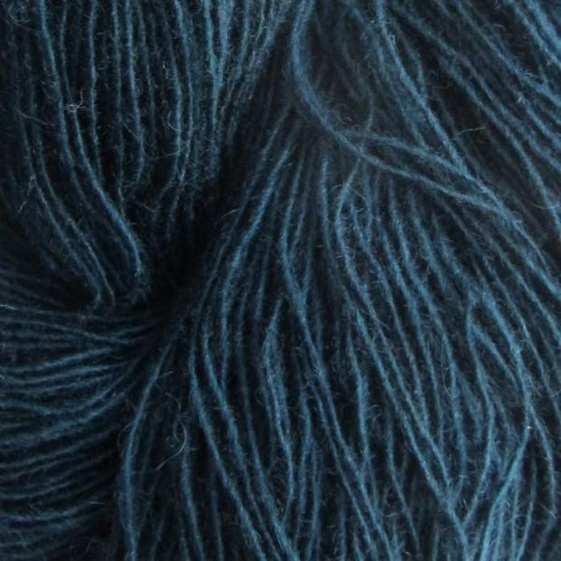 Isager Spinni 100% wool, color no 101 dark blue