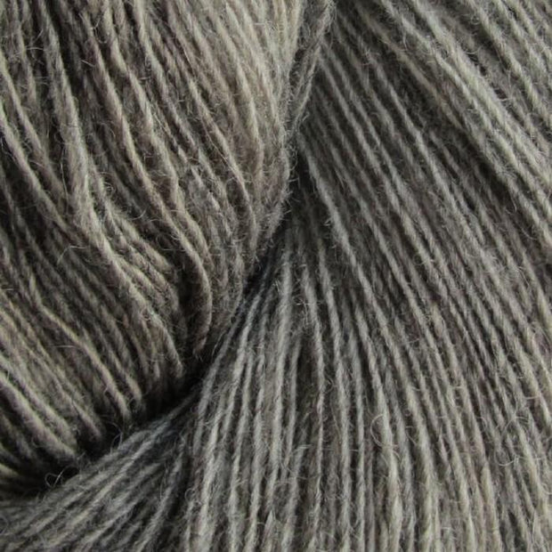 Isager Spinni 100% wool, color no 13s, grey brown.