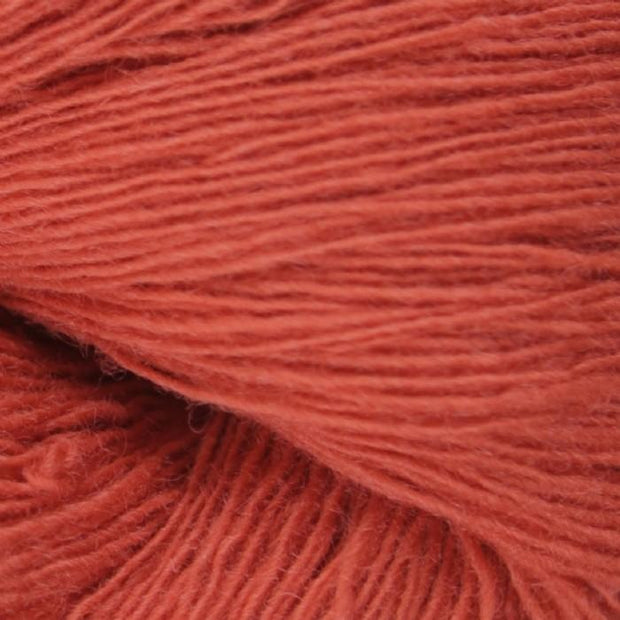Isager Spinni 100% wool, color no 28, coral red