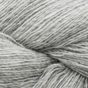 Isager Spinni yarn 100% wool, color no 2s, very light grey