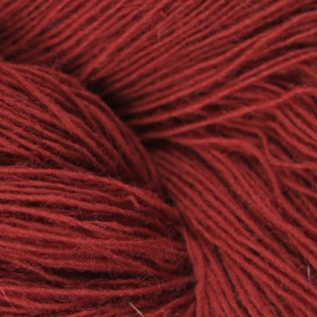 Isager Spinni 100% wool, color no 32, red