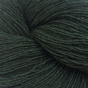 Isager Spinni 100% wool, color no 37, dark green