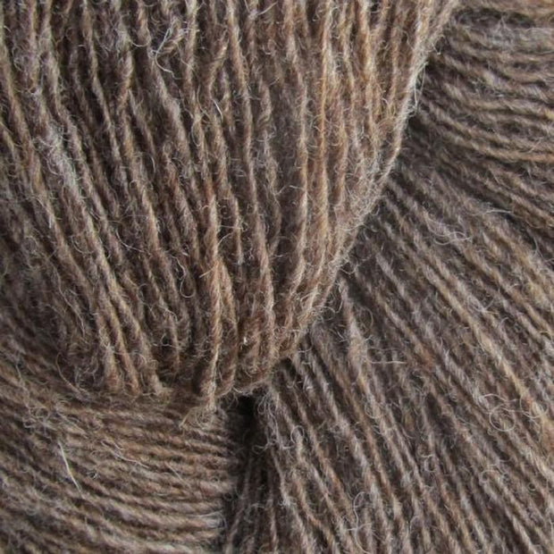 Isager Spinni yarn 100% wool, color no 8s, brown