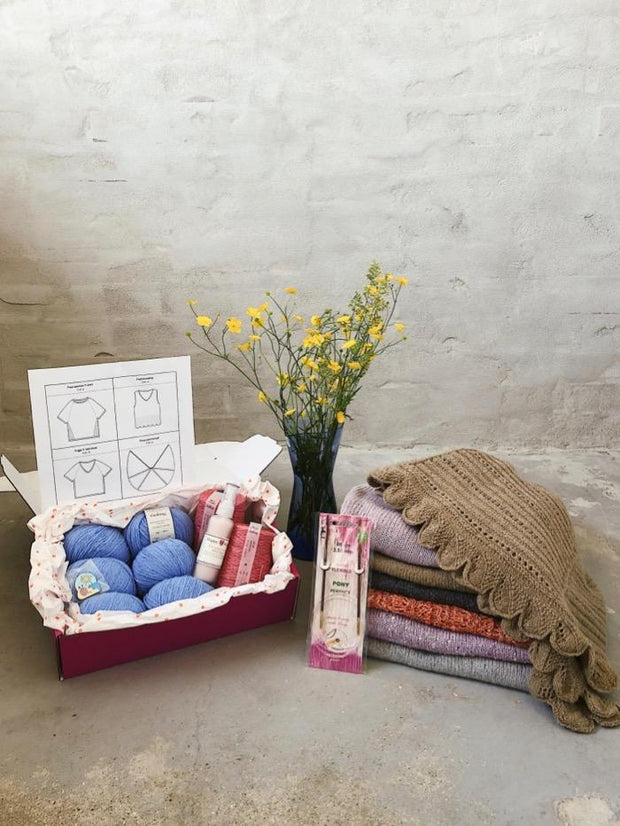 Önling Summer Knitting Box 2019, with 4 patterns, 2 yarns and knitting gifts